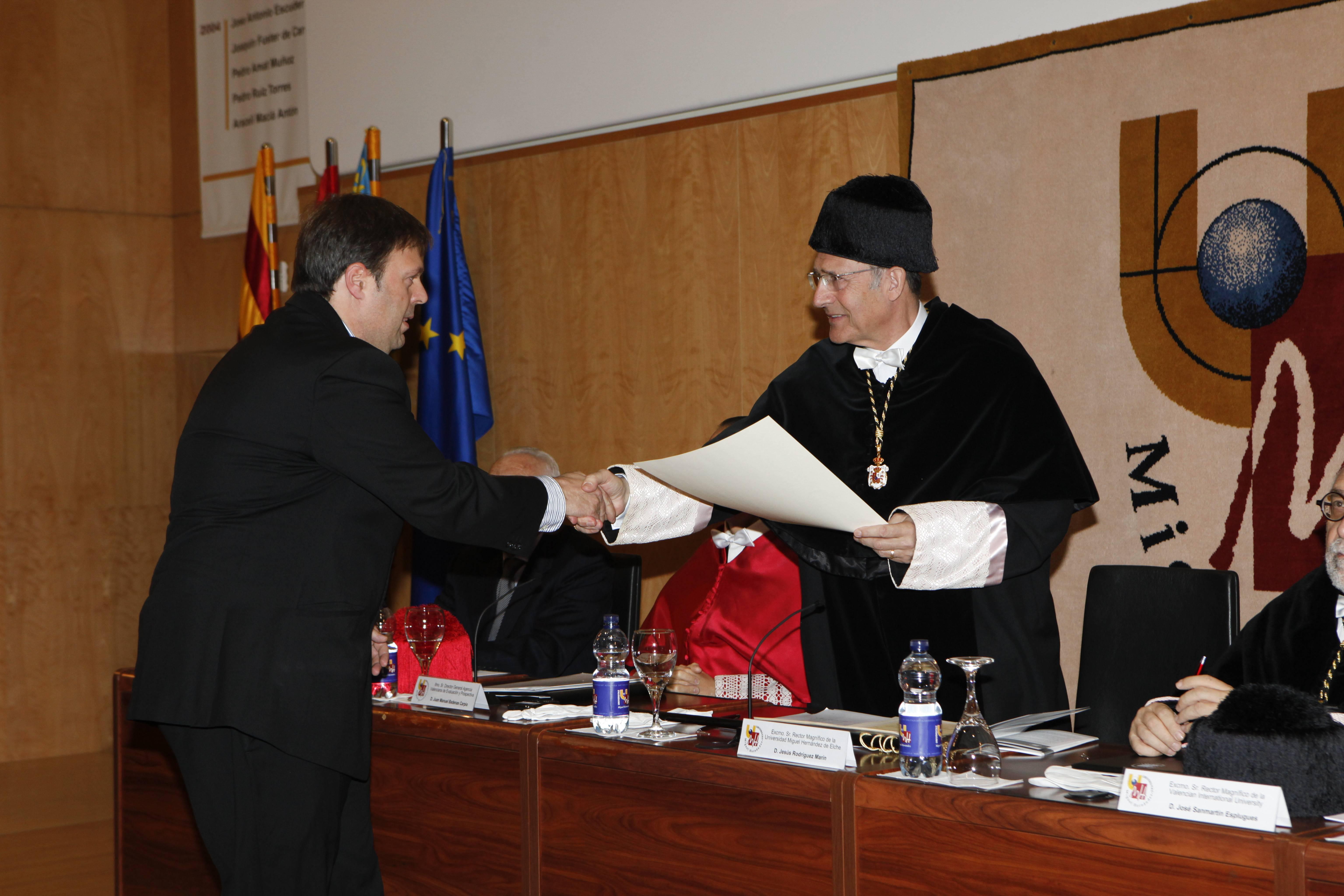 doctor-honoris-causa-luis-gamir_mg_1045.jpg