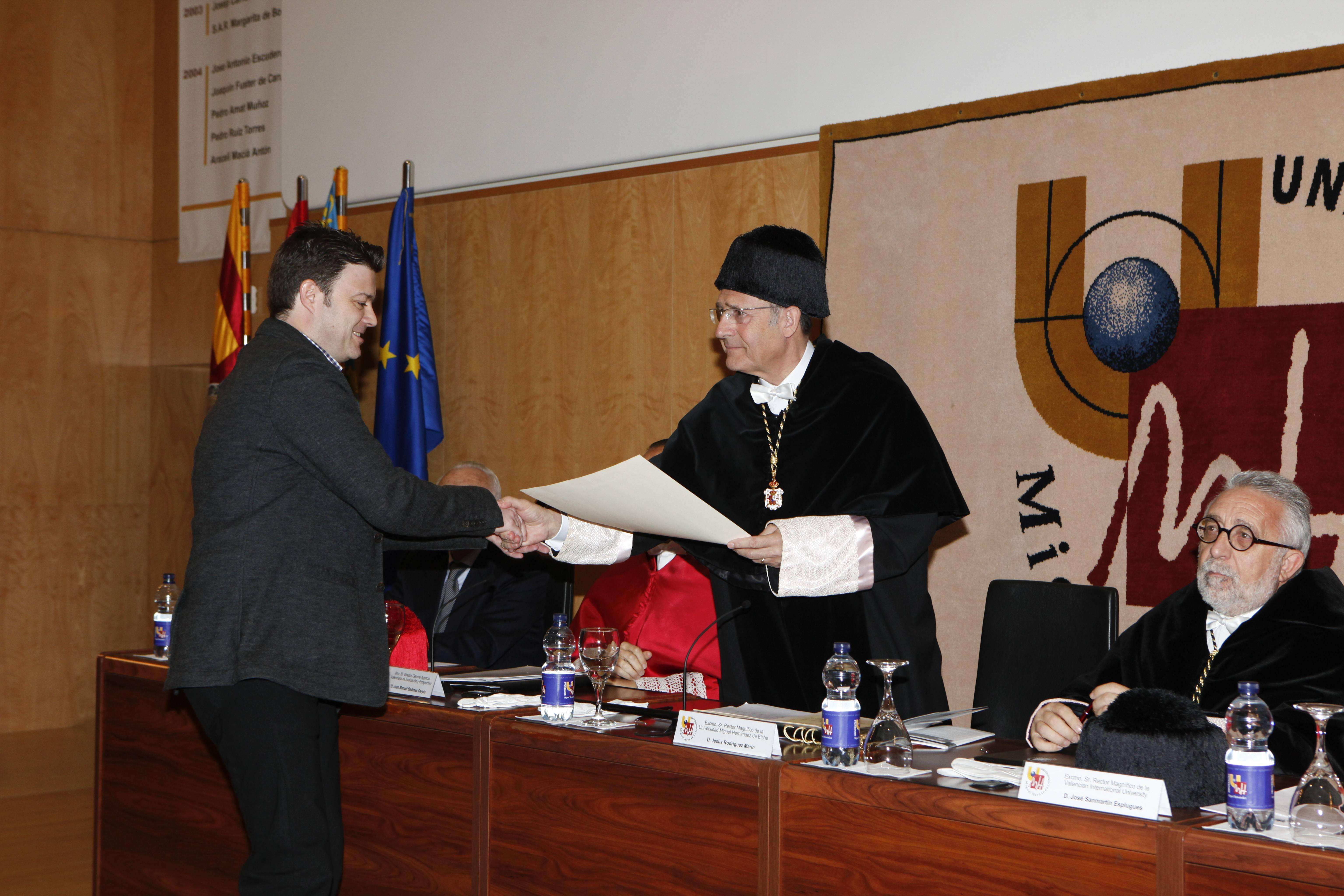 doctor-honoris-causa-luis-gamir_mg_1051.jpg