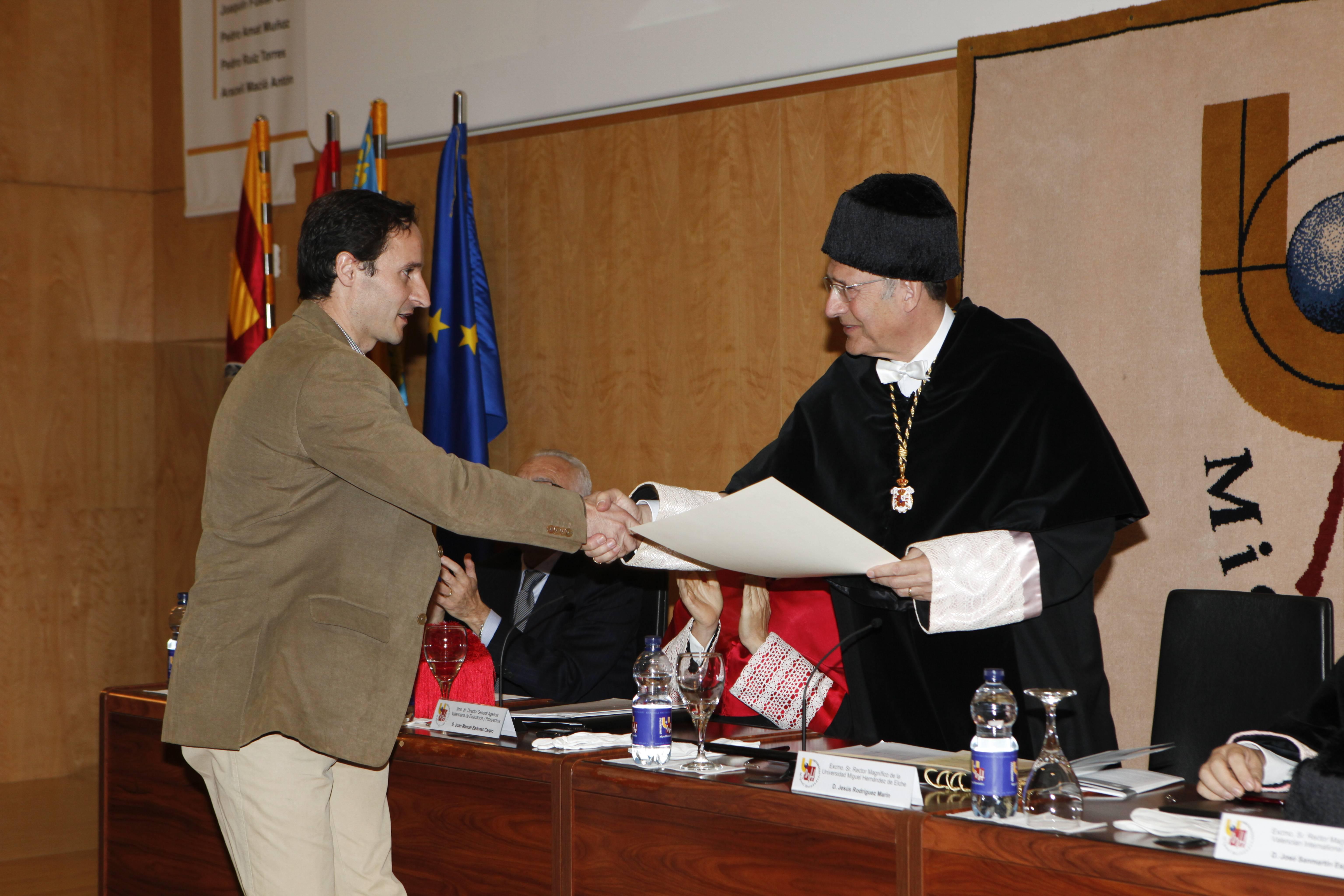 doctor-honoris-causa-luis-gamir_mg_1055.jpg