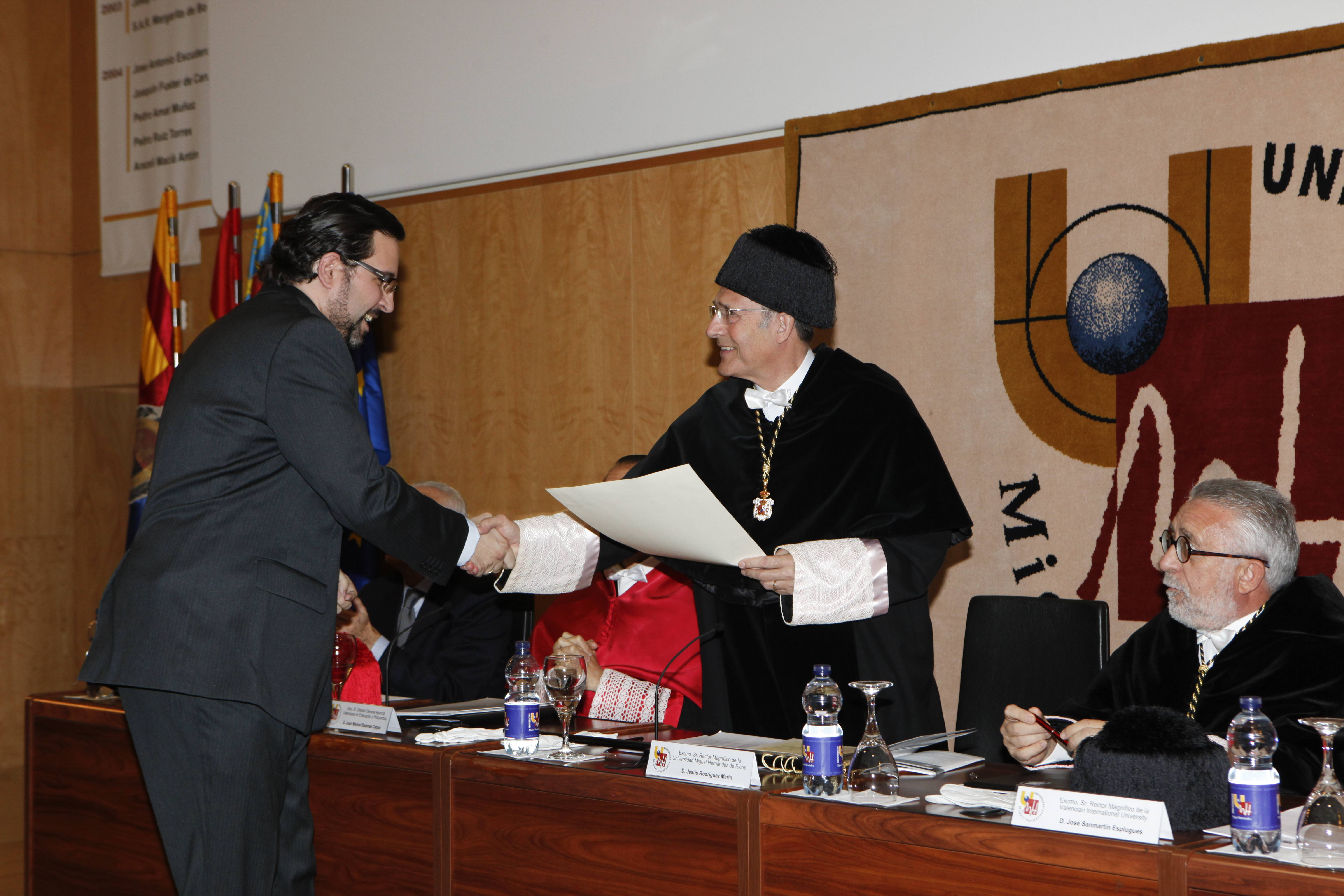 doctor-honoris-causa-luis-gamir_mg_1059.jpg