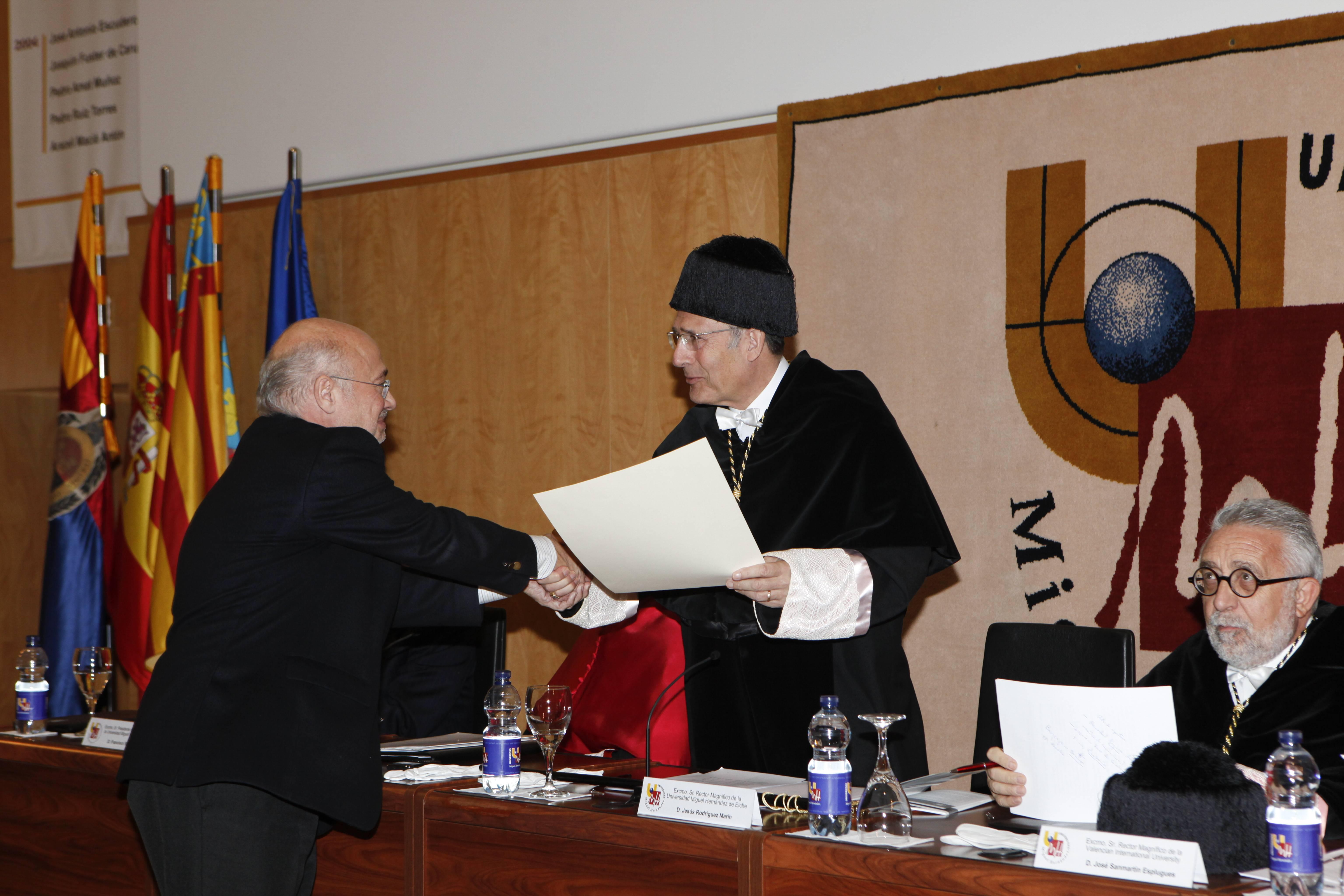 doctor-honoris-causa-luis-gamir_mg_1063.jpg