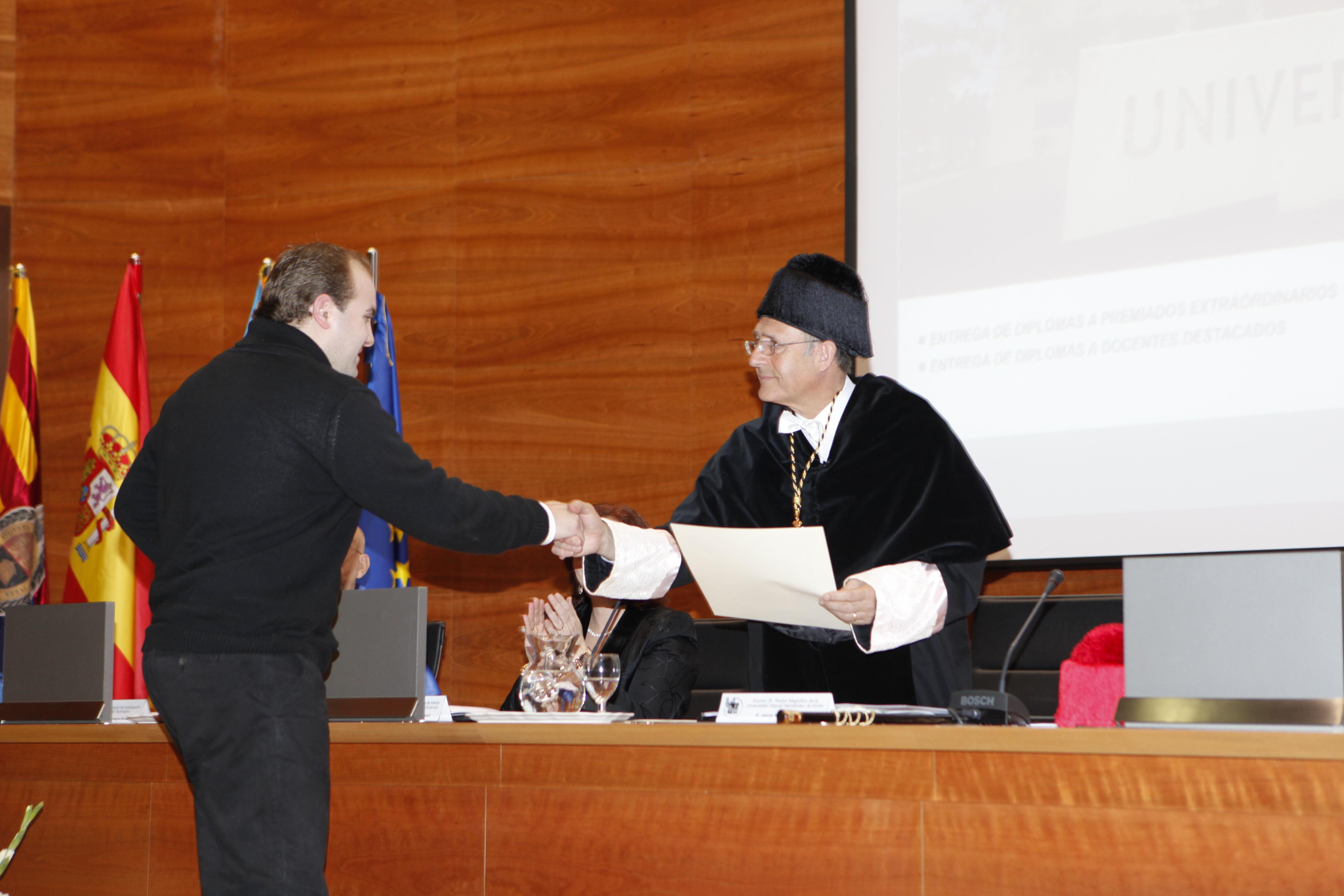 Entrega Diplomas_mg_5107.jpg