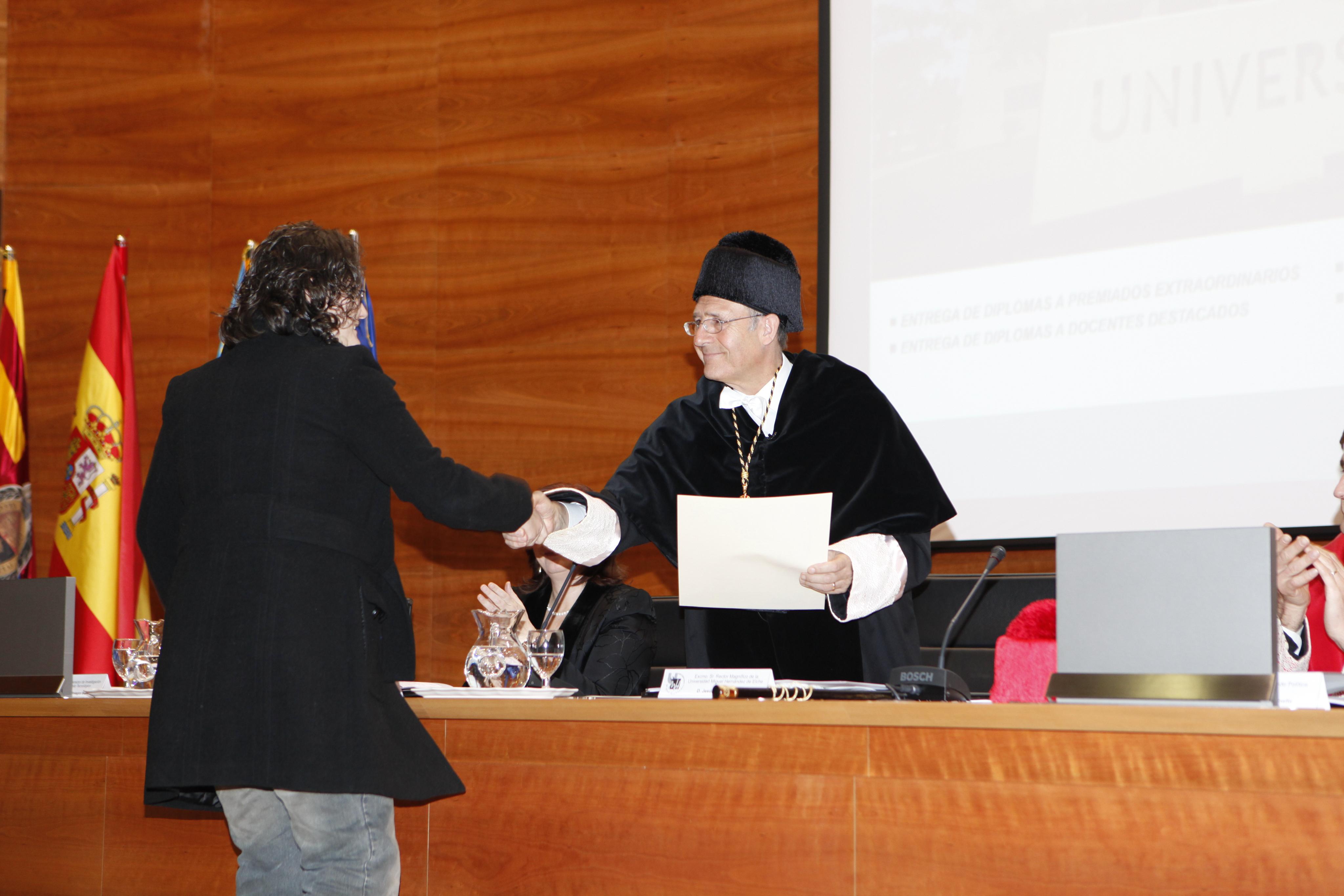 Entrega Diplomas_mg_5120.jpg