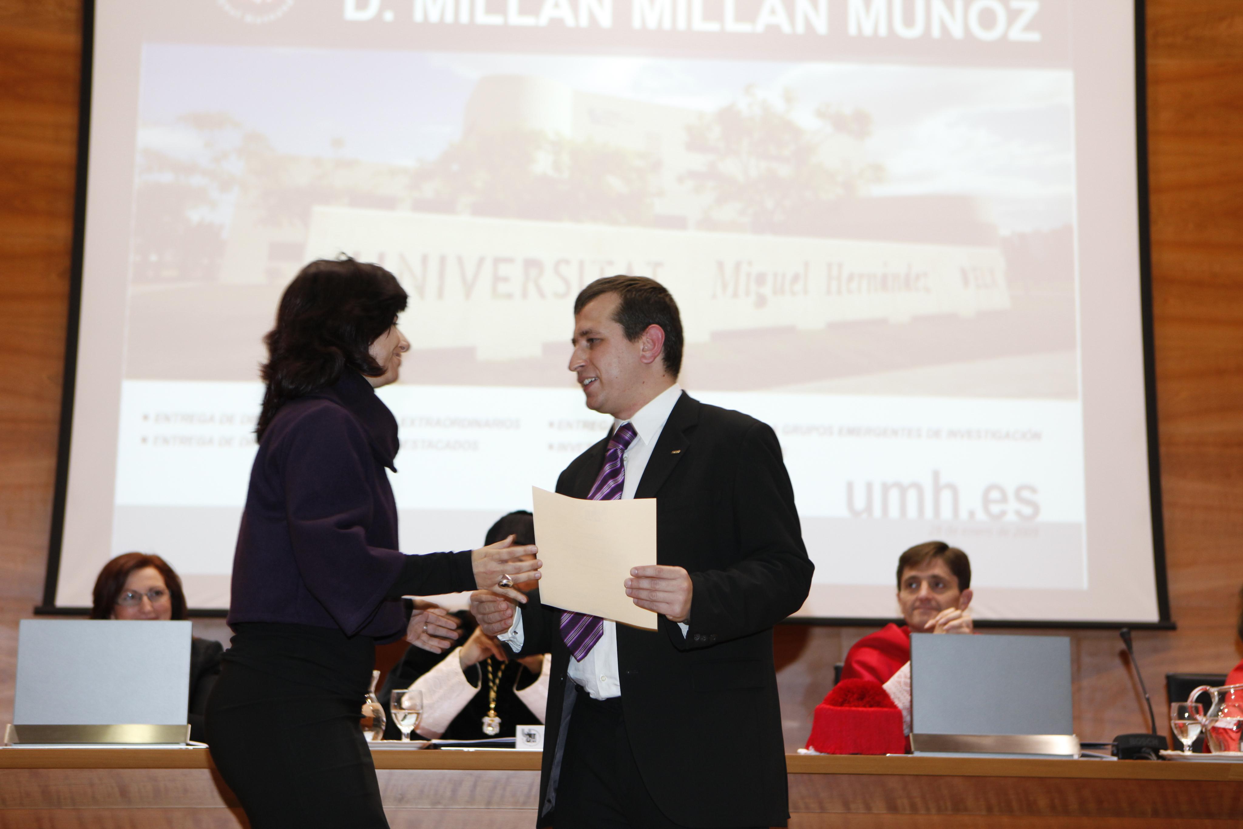 Entrega Diplomas_mg_5227.jpg