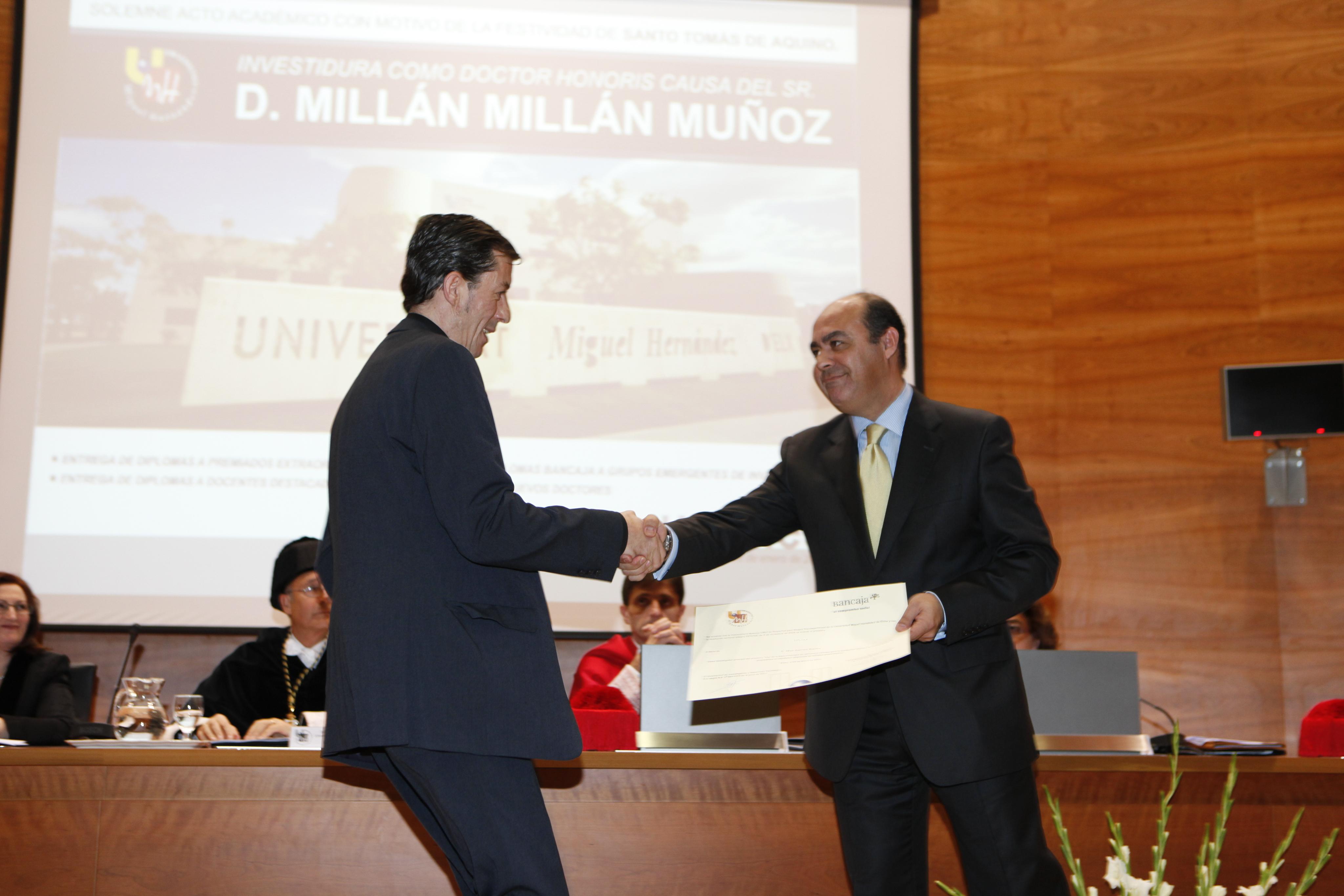 Entrega Diplomas_mg_5237.jpg