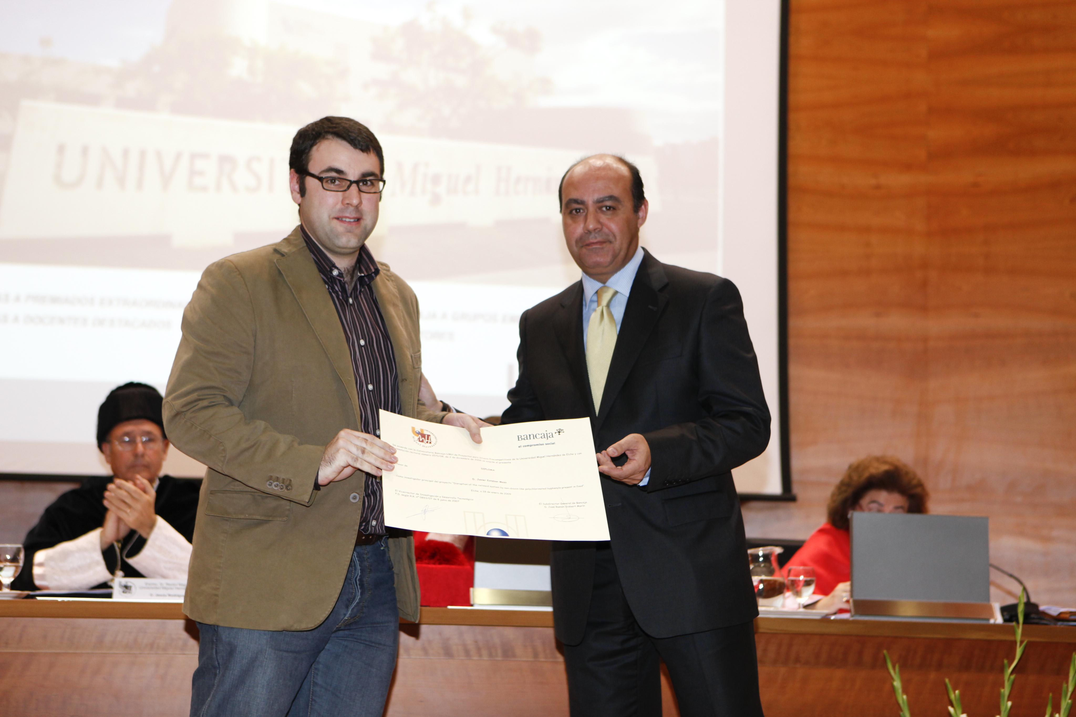 Entrega Diplomas_mg_5250.jpg