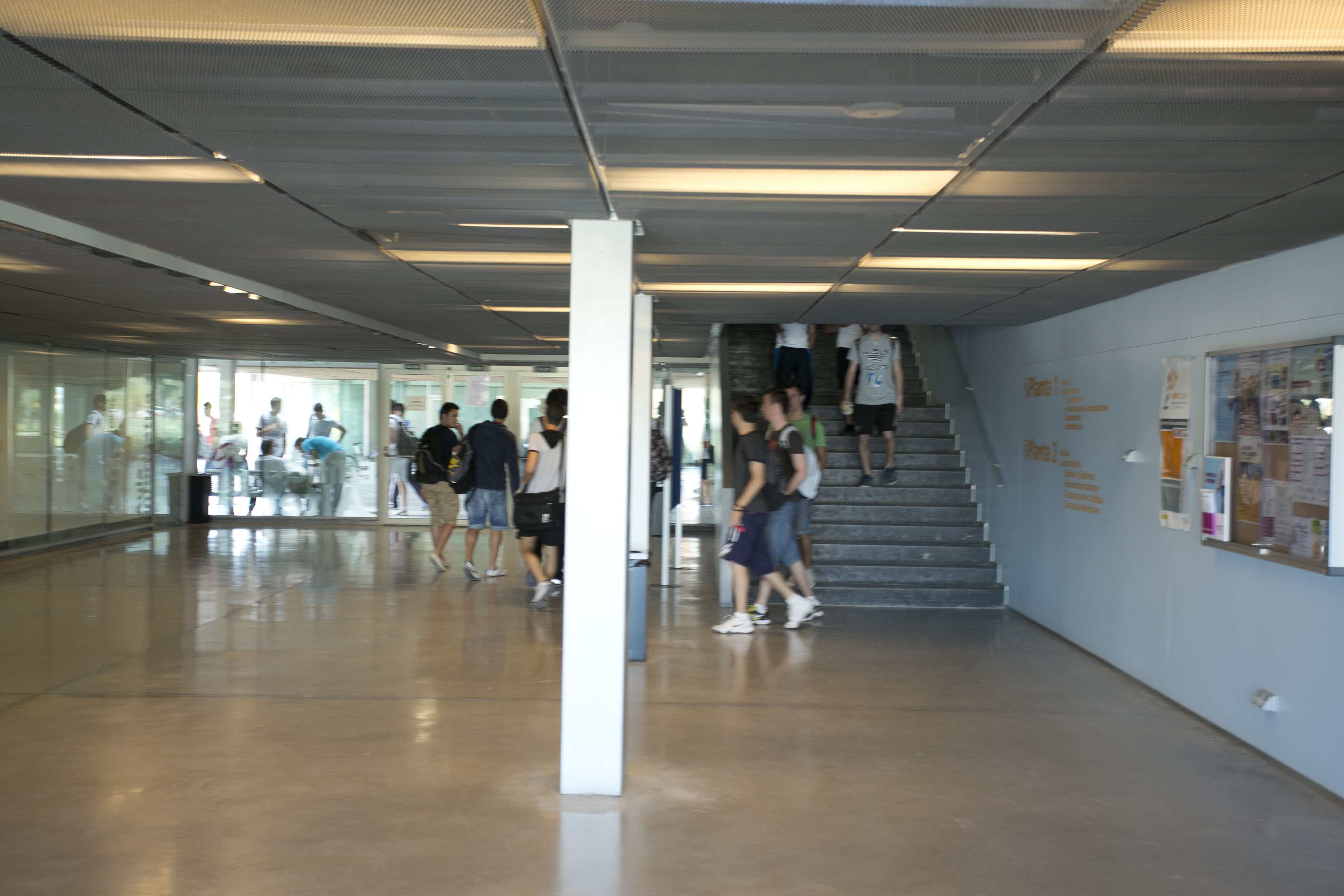Campus-Elche-exteriores_K8B2200