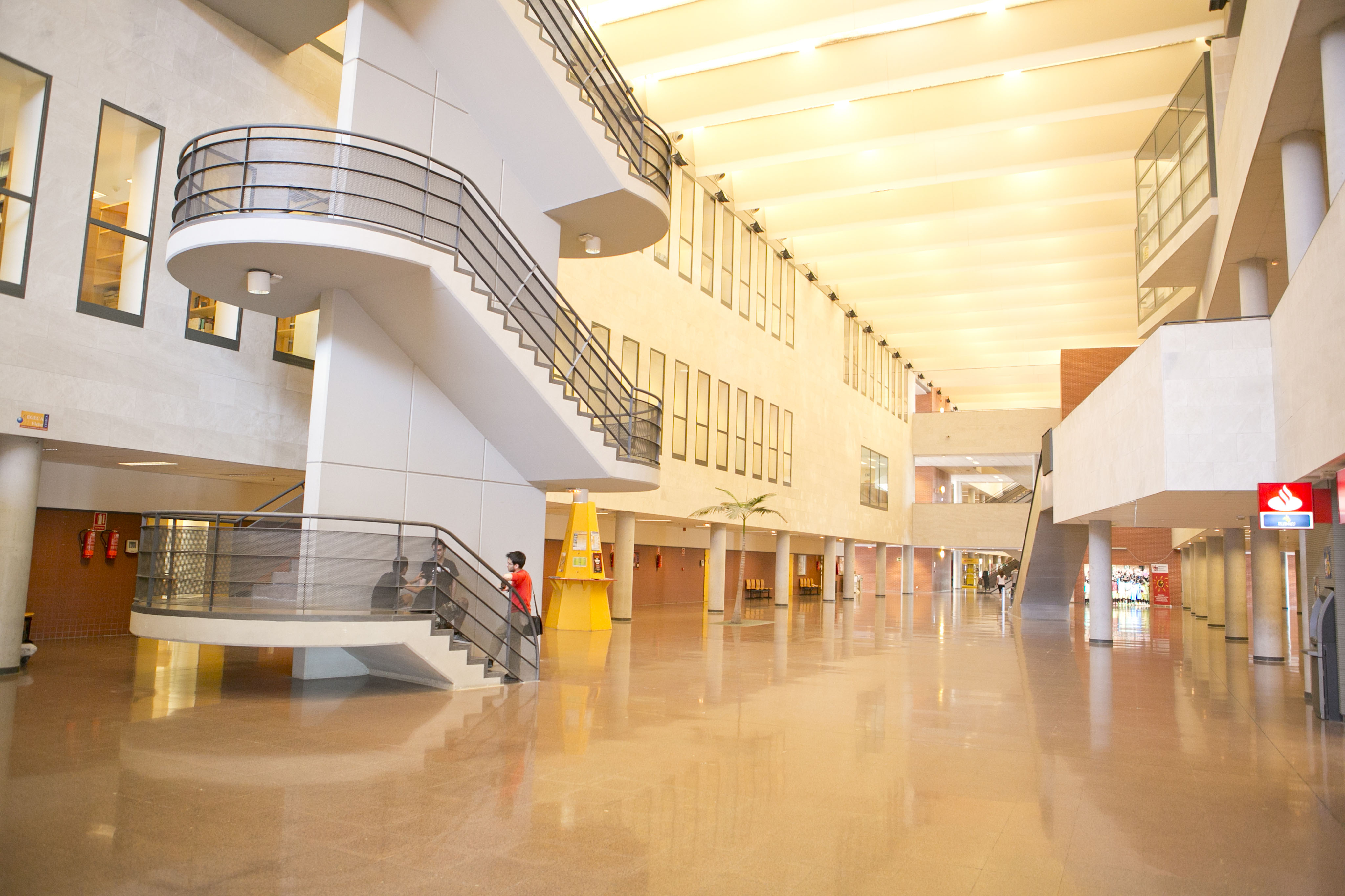 Campus-Elche-exteriores_K8B2583